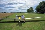 Notlandung nach Propellerverlust auf einem kleinen Modellflugplatz